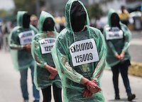 CIUDAD DE MÉXICO, Julio 27, 2014. Miembros de Movimiento de Apirantes Excluidos de la Educación Superio (MAES) marcharon a la SEP para pedir una mesa de diálogo, en la Ciudad de México,  el 27 de julio de 2015 FOTO: ALEJANDRO MELÉNDEZ