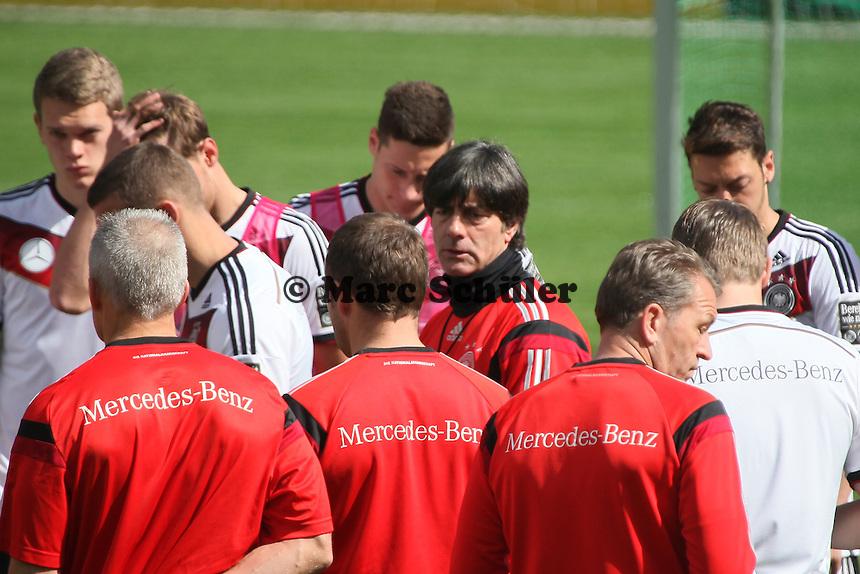 Ansprache von Bundestrainer Joachim Löw - Training der Deutschen Nationalmannschaft  zur WM-Vorbereitung in St. Martin