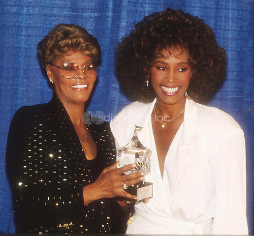 Dionne Warwick Whitney Houston 1990<br /> Photo By John Barrett/PHOTOlink.net /MediaPunch