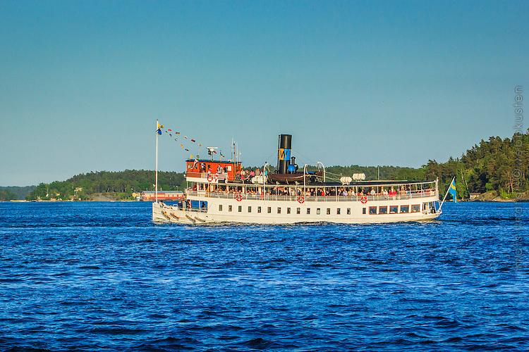 Ångbåten Norrskär på väg till Vaxholm i Roslagen på skärgårdsbåtens dag. Steamboat Norrskär en route to Vaxholm in Roslagen.