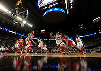 University of Louisville and University of New Mexico play men's NCAA basketball game in Portland, Oregon,  March 17, 2012.  REUTERS/Steve Dipaola (UNITED STATES)