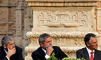 Portugal´s Prime Minister Josés Socrates (L)  presidente Cavaco Silva (R) and Luis Inacio Lula da Silva (C) looks  during cerimony of the  Camoes Literary Prize on  July 25 2008, at Lisbon's Jeronimos Monastery..