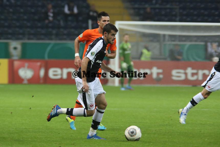 Tranquillo Barnetta (Eintracht) setzt sich durch - Eintracht Frankfurt vs. VfL Bochum, Commerzbank Arena, 2. Runde DFB-Pokal