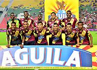 IBAGUE - COLOMBIA, 23-03-2019: Los jugadores de Deportes Tolima, posan para una foto antes de partido entre Deportes Tolima y Unión Magdalena de la fecha 11 de la Liga Águila I 2019, jugado en el estadio Manuel Murillo Toro de la ciudad de Ibague. / Players of Deportes Tolima, pose for a photo prior a posponed match between Deportes Tolima and Union Magdalena of the 1st date for the Aguila League I 2019, played at Manuel Murillo Toro stadium in Ibague city. Photo: VizzorImage / Juan Carlos Escobar / Cont.
