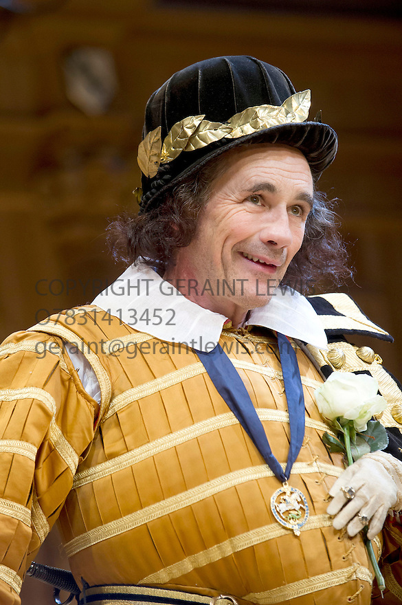 Richard III by William Shakespeare. A Shakespeare's Globe Production directed by Tim Carroll. With Mark Rylance as Richard III. Opens at The Apollo Theatre  on 17/11/12. CREDIT Geraint Lewis