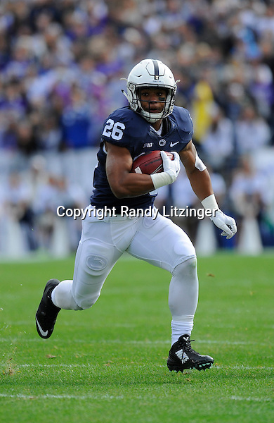 31 October 2015:  Penn State RB Saquon Barkley (26) runs for a long gain after catching a short pass. The Penn State Nittany Lions defeated the Illinois Fighting Illini 39-0 at Beaver Stadium in State College, PA. (Photo by Randy Litzinger/Icon Sportswire)