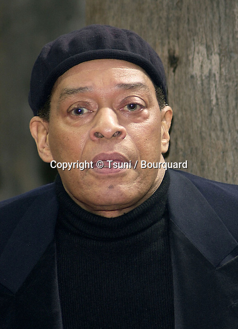 Al Jarreau honored with star on the Hollywood walk of fame, on Tuesday, March 6, 2001.AlJarreau022.jpg