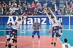 24.02.2019, SAP Arena, Mannheim<br /> Volleyball, DVV-Pokal Finale, VfB Friedrichshafen vs. SVG LŸneburg / Lueneburg<br /> <br /> Block / Doppelblock Noah Baxpšhler / Baxpoehler (#4 Lueneburg), Adam Schriemer (#3 Lueneburg) - Angriff David Sossenheimer (#5 Friedrichshafen)<br /> <br />   Foto © nordphoto / Kurth