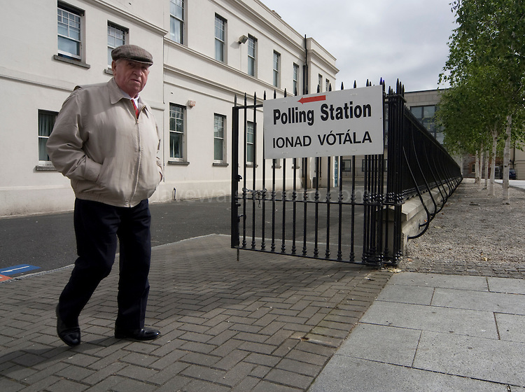 "Editorial Use Only: A disgruntled voter leaves the polling station on Dublin's Marlborough St. He said he ""voted no"", adding that he though that 99% of the politicians are corrupt. ........http://www.davewalshphoto.com"