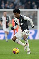 6th January 2020; Allianz Stadium, Turin, Italy; Serie A Football, Juventus versus Cagliari; Juan Cuadrado of Juventus on the ball - Editorial Use
