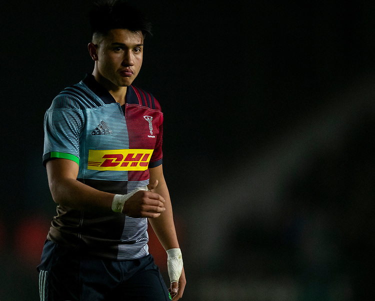 Harlequins' Marcus Smith<br /> <br /> Photographer Bob Bradford/CameraSport<br /> <br /> Gallagher Premiership Round 7 - Harlequins v Newcastle Falcons - Friday 16th November 2018 - Twickenham Stoop - London<br /> <br /> World Copyright © 2018 CameraSport. All rights reserved. 43 Linden Ave. Countesthorpe. Leicester. England. LE8 5PG - Tel: +44 (0) 116 277 4147 - admin@camerasport.com - www.camerasport.com