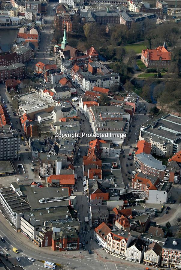 Sachsentor: EUROPA, DEUTSCHLAND, HAMBURG, (EUROPE, GERMANY), 14.03.2007: Bergedorf, Sachsentor vom Mohnhof bis zur Alte Holstenstrasse, Fussgaengerzone, Einkaufen, Bummeln, Stadt,  Luftbild, Luftansicht, Air..c o p y r i g h t : A U F W I N D - L U F T B I L D E R . de.G e r t r u d - B a e u m e r - S t i e g 1 0 2, .2 1 0 3 5 H a m b u r g , G e r m a n y.P h o n e + 4 9 (0) 1 7 1 - 6 8 6 6 0 6 9 .E m a i l H w e i 1 @ a o l . c o m.w w w . a u f w i n d - l u f t b i l d e r . d e.K o n t o : P o s t b a n k H a m b u r g .B l z : 2 0 0 1 0 0 2 0 .K o n t o : 5 8 3 6 5 7 2 0 9.C o p y r i g h t n u r f u e r j o u r n a l i s t i s c h Z w e c k e, keine P e r s o e n l i c h ke i t s r e c h t e v o r h a n d e n, V e r o e f f e n t l i c h u n g  n u r  m i t  H o n o r a r  n a c h M F M, N a m e n s n e n n u n g  u n d B e l e g e x e m p l a r !.