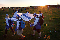 Finnish scouts at the IST opening ceremony. Photo: Magnus Fröderberg/Scouterna