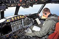 - cockpit of a US Navy antisubmarine P3 Orion aircraft ....- cabina di pilotaggio di un aereo antisommergibili P3 Orion dell' US Navy..