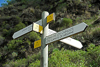 Spain, Canary Islands, La Palma, near Los Llanos de Aridane: Barranco de las Angustias - sign post