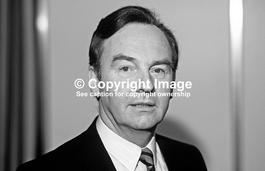 Michael Woods, TD, Fianna Fail, Minister for Social Welfare, Rep of Ireland, Ard Fheis, 19880203MW2.<br />
