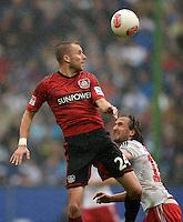 FUSSBALL   1. BUNDESLIGA   SAISON 2012/2013    34. SPIELTAG Hamburger SV - Bayer 04 Leverkusen                      18.05.2013 Michal Kadlec (li, Bayer 04 Leverkusen) gegen Petr Jiracek (re, Hamburger SV)