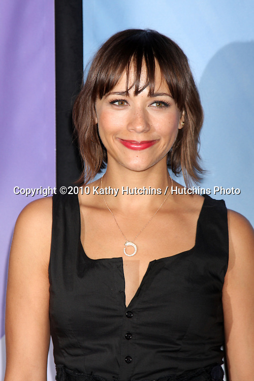 Rashida Jones.arriving at the 2010 Winter NBC TCA Party .Langford Hotel.Pasadena, CA.January 10, 2010.©2010 Kathy Hutchins / Hutchins Photo....