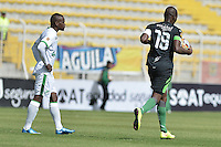 BOGOTÁ -COLOMBIA, 18-07-2015. Wason Renteria (Der) jugador de La Equidad celebra un autogol del Deportivo Cali durante partido por la fecha 2 de la Liga Águila II 2015 jugado en el estadio Metropolitano de Techo de la ciudad de Bogotá./ Wason Renteria (R) of La Equidad celebrates an auto goal of Deportivo Cali during match for the second date of the Aguila League II 2015 played at Metropolitano de Techo stadium in Bogotá city. Photo: VizzorImage/ Gabriel Aponte / Staff