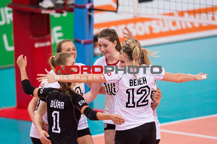 07.06.2014, Porsche Arena, Stuttgart<br /> Volleyball, European League 2014, Deutschland vs. Spanien<br /> <br /> Jubel Lenka D&uuml;rr / Duerr (#1 GER), Laura Weihenmaier (#19 GER), Lisa Thomsen (#15 GER), Wiebke Silge (#18 GER), Mareen Apitz (#20 GER), Heike Beier (#12 GER)<br /> <br />   Foto &copy; nordphoto / Kurth