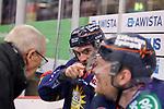 Maximilian Kammerer (Duesseldorfer EG, Nr. 9) veraergert ueber Schiedsrichter<br /> im DEL-Spiel der Duesseldorfer EG gegen die Adler Mannheim (05.01.2020). beim Spiel in der DEL, Duesseldorfer EG (blau) - Adler Mannheim (weiss).<br /> <br /> Foto © PIX-Sportfotos *** Foto ist honorarpflichtig! *** Auf Anfrage in hoeherer Qualitaet/Aufloesung. Belegexemplar erbeten. Veroeffentlichung ausschliesslich fuer journalistisch-publizistische Zwecke. For editorial use only.