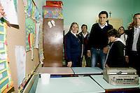 ATENCAO EDITORES: FOTO EMBARGADA PARA VEICULO INTERNACIONAL - SAO PAULO, SP, 27 DE SETEMBRO 2012 - Candidato a prefeitura de Sao Paulo, Gabriel Chalita (PMDB) durante visita a instituto Cego Padres Chico com criancas com deficiencia visual no bairro do Ipiranga regiao sul da capital paulista. FOTO: RODRIGO PIANO - BRAZIL PHOTO PRESS.