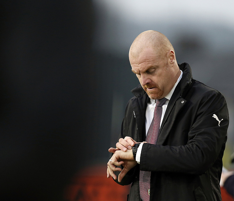 Burnley manager Sean Dyche checks his watch<br /> <br /> Photographer Rich Linley/CameraSport<br /> <br /> The Premier League - Burnley v Everton - Wednesday 26th December 2018 - Turf Moor - Burnley<br /> <br /> World Copyright © 2018 CameraSport. All rights reserved. 43 Linden Ave. Countesthorpe. Leicester. England. LE8 5PG - Tel: +44 (0) 116 277 4147 - admin@camerasport.com - www.camerasport.com