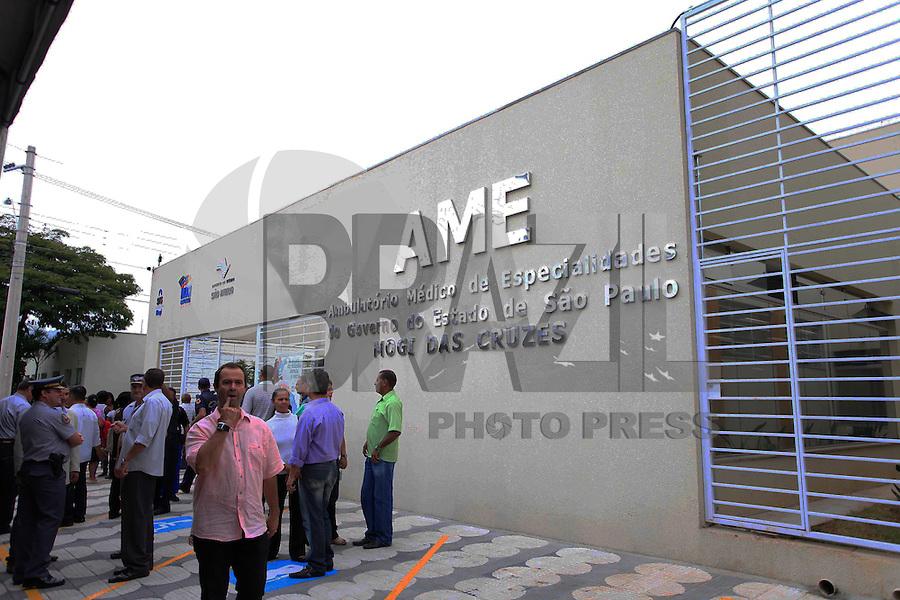 MOGI DAS CRUZES, SP, 30 DE MARCO 2012 - INAUGURAÇÃO AME MOGI DAS CRUZES - O governador de São Paulo, Geraldo Alckmin, participa da inauguração do Ambulatório Médico de Especialidades (AME) de Mogi das Cruzes, na Grande São Paulo, nesta sexta-feira (30). O ex-governador José Serra, pré- candidato à prefeitura de São Paulo, também participou do evento. (FOTO: WARLEY LEITE - BRAZIL PHOTO PRESS).