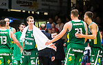 S&ouml;dert&auml;lje 2015-10-01 Basket Basketligan S&ouml;dert&auml;lje Kings - Uppsala Basket :  <br /> S&ouml;dert&auml;lje Kings Skyler Bowlin jublar med Aaron Anderson och Christopher Czerapowicz under matchen mellan S&ouml;dert&auml;lje Kings och Uppsala Basket <br /> (Foto: Kenta J&ouml;nsson) Nyckelord:  Basket Basketligan S&ouml;dert&auml;lje Kings SBBK T&auml;ljehallen Uppsala Seriepremi&auml;r Premi&auml;r jubel gl&auml;dje lycka glad happy