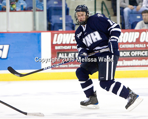 Mike Sislo (UNH - 19) - The University of Massachusetts-Lowell River Hawks defeated the University of New Hampshire Wildcats 6-3 on Sunday, November 8, 2009, at Tsongas Arena in Lowell, Massachusetts.