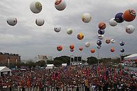 SAO PAULO, SP, 01/05/2014, FESTA DO TRABALHADOR. Acontece hoje (1) Dia do Trabalhador, a Festa da Central Sindical na Pca Campos de Bagatelli no bairro de Santana. LUIZ GUARNIERI/BRAZIL PHOTO PRESS.
