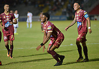 IBAGUÉ - COLOMBIA, 02-11-2017: Jose Lloreda (Der) jugador del Deportes Tolima celebra después de anotar el tercer gol de su equipo a Deportivo Pasto durante partido por la fecha 18 de la Liga Águila II 2017 jugado en el estadio Manuel Murillo Toro de Ibagué. / Jose Lloreda (R) player of Deportes Tolima celebrates after scoring the third goal of his team to Deportivo Pasto during match for date 18 of the Aguila League II 2017 played at Manuel Murillo Toro stadium in Ibague cityy. Photo: VizzorImage / Juan Carlos Escobar / Cont