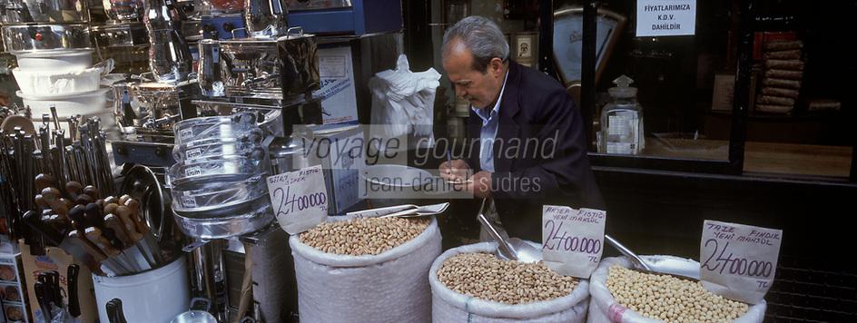 """Europe/Turquie/Istanbul: Bazar aux épices """"Misir Carsisi"""" - Détail étal"""