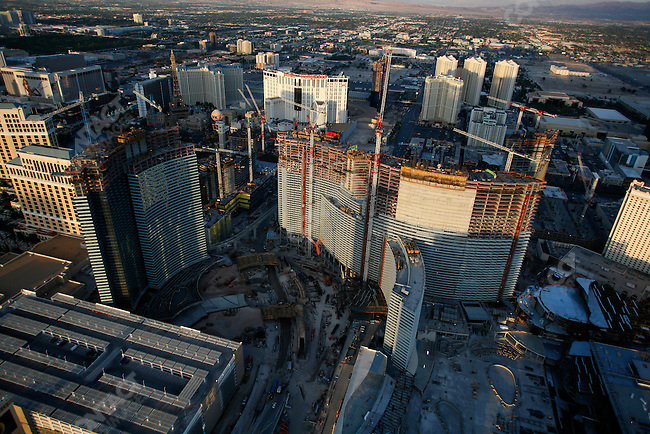 """The Strip: the main avenue (Las Vegas Boulevard) with the principal tourist hotels: Mandalay Bay, Bellagio, Tropicana, with large construction site in the center, called """"City Center"""" being built next to Bellagio, Las Vegas, Nevada, USA, April 14, 2008."""
