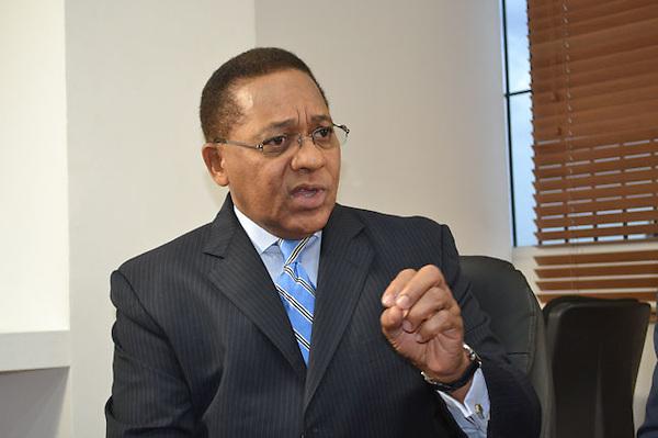 Ismael Reyes, presidente y candidato presidencial por el partido PDI.
