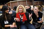 Europäischer Kabbala Kongress, Berlin Kino KOSMOS 28-30.01.2011. Teilnehmer diskutieren in einem Workshop, wie sie zu Kabbalah gekommen sind.