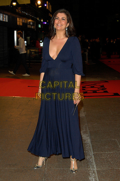 "AMANDA LAMB.""I Am Legend"" UK film premiere, Odeon Leicester Square, London, England. .December 19th, 2007.full length blue purple dress plunging low cut neckline cleavage .CAP/CAN.©Can Nguyen/Capital Pictures"
