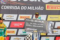 CURITIBA,PR, -02.07.2017 - STOCK CAR-PR - Daniel Serra campeão da corrida do milhão da stock car em Curitiba (PR), na manhã deste domingo (02), no autódromo internacional de Pinhais, região metropolitana de Curitiba (PR).(Foto: Paulo Lisboa/Brazil Photo Press)