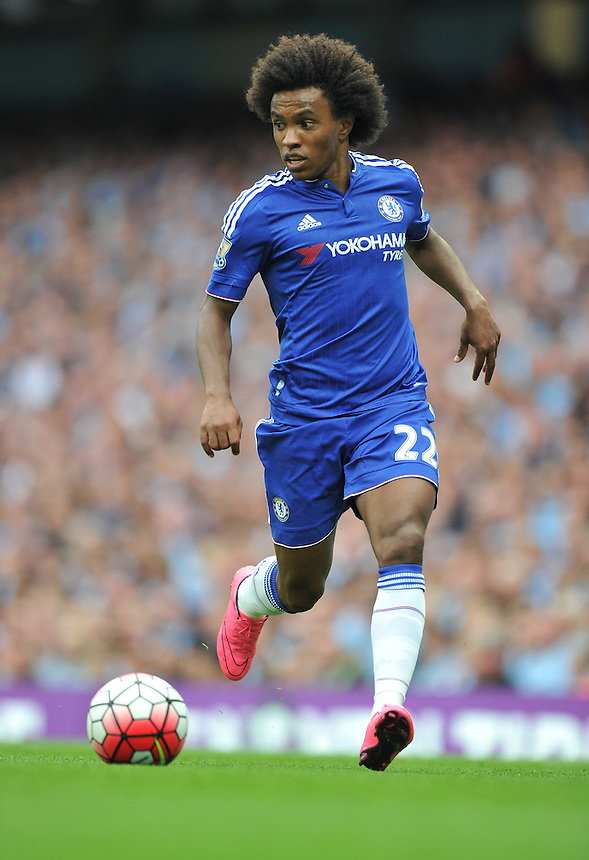 Chelsea's Willian<br /> <br /> Photographer Dave Howarth/CameraSport<br /> <br /> Football - Barclays Premiership - Manchester City v Chelsea - Sunday 16th August 2015 - Etihad Stadium - Manchester<br /> <br /> &copy; CameraSport - 43 Linden Ave. Countesthorpe. Leicester. England. LE8 5PG - Tel: +44 (0) 116 277 4147 - admin@camerasport.com - www.camerasport.com