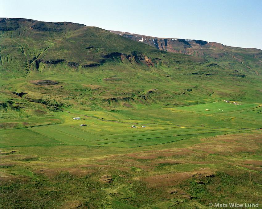 Grund og Foss (eyðíbýli) og Breiðabólstaður í baksýni séð til norðvesturs, Húnaþing vestra áður Þverárhreppur / Grund and Foss , Breidabolstadur in background viewing northwest. Hunathing vestra former Thverarhreppur.
