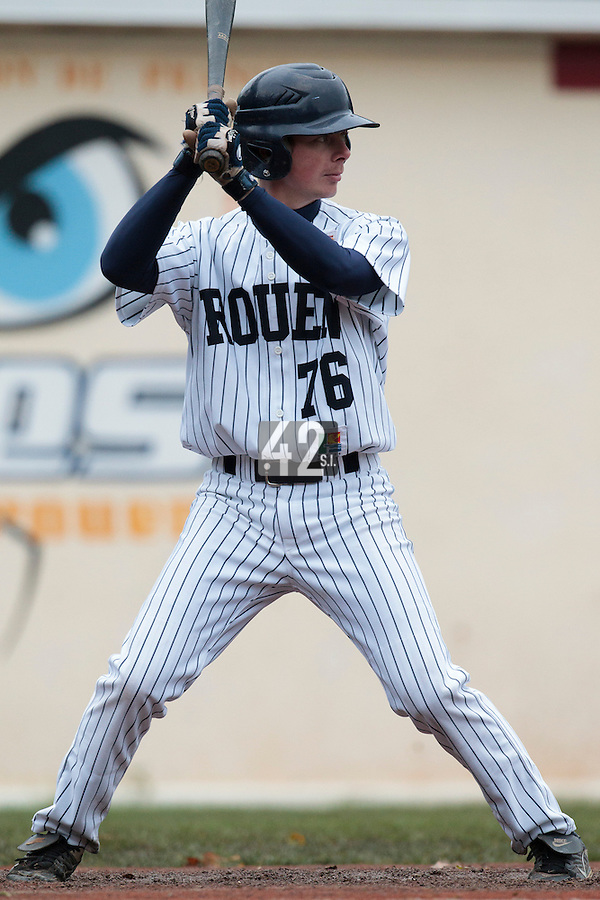 23 October 2010: Anthony Piquet of Rouen is seen at bat during Savigny 8-7 win (in 12 innings) over Rouen, during game 3 of the French championship finals, in Rouen, France.