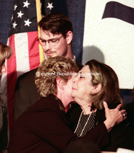 WATERBURY, CT 11/03/98  -1103CA15.tif<br />Lt Governor Jodi Rell kissing Rowlands mother