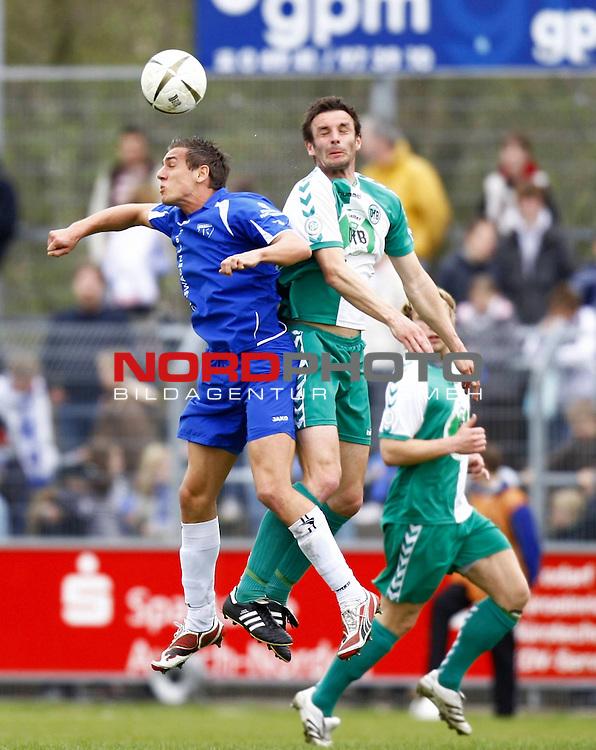 RLN 2007/2008 32. Spieltag  R&uuml;ckrunde<br /> BSV Kickers Emden -  VfB L&uuml;beck<br /> Thomas Klasen (Kickers Emden # 9) - Dietmar Hirsch (VfB L&uuml;beck / Luebeck # 3)<br /> Foto &copy; nph (  nordphoto  )<br /> <br /> <br /> <br />  *** Local Caption ***