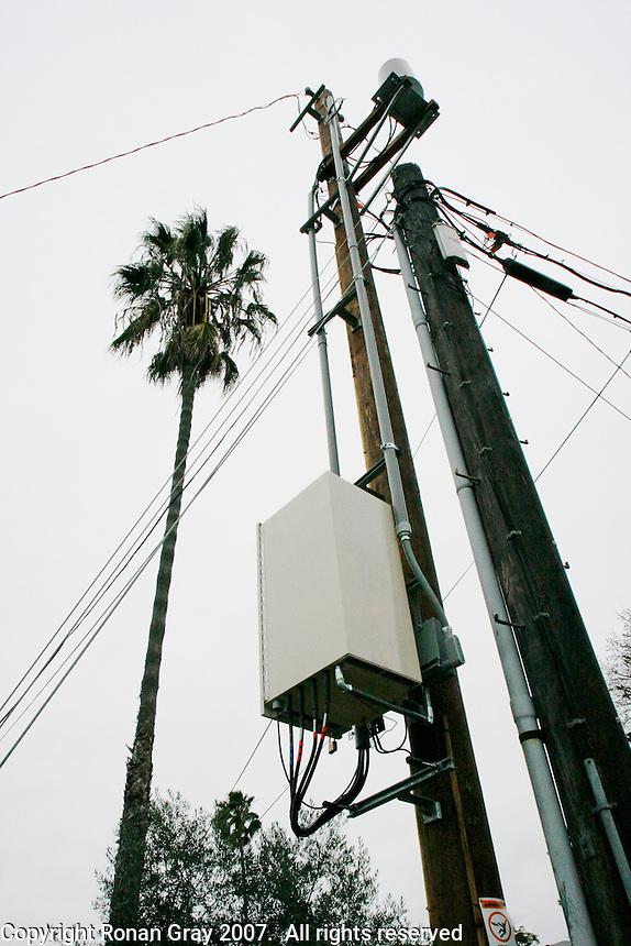 Hidden Cell phone Antenna JPG | Ronan Gray Photography