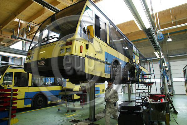 BRUSSELS - BELGIUM - 04 MAY 2005 --Mechanics working on one of 130 Van Hool A500 busses at The Brussels Local Transport Co (STIB) for sale  on internet. They are manufactured in 1991 - 1992 by .-- PHOTO: ERIK LUNTANG / EUP-IMAGES..