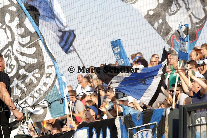 Fans des FSV Frankfurt - FSV Frankfurt vs. VfL Bochum