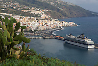 Spain, Canary Islands, La Palma, Santa Cruz de La Palma: capital - cruise ship at harbour