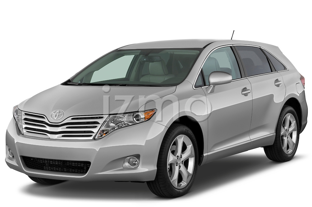 Front three quarter view of a 2009 Toyota Venza.