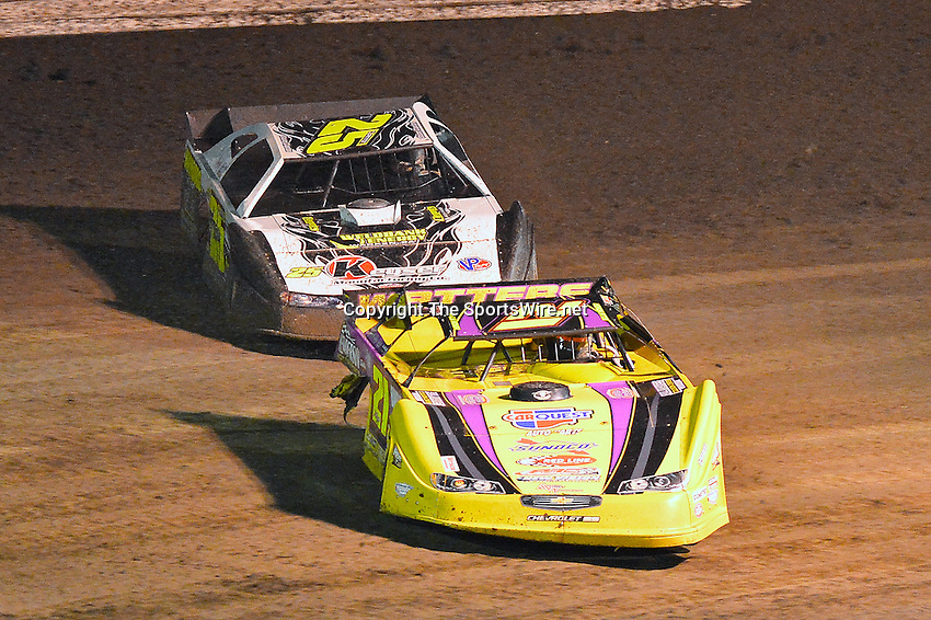 Feb 20, 2014; 7:32:32 PM;  Barberville, FL, USA;  World of Outlaws Late Model Series for 43rd Annual DIRTcar Nationals presented by Summit Racing Equipment at Volusia Speedway Park.  Mandatory Credit: (thesportswire.net)
