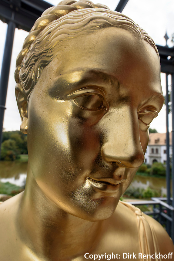 B&uuml;ste Gr&auml;fin Jeanette Caroline von Alop&auml;us, 1783-1869, Neues Schloss im F&uuml;rst P&uuml;ckler Park, Bad Muskau, Sachsen, Deutschland, Europa, UNESCO-Weltkulturerbe<br /> Bust of countess Jeanettevon Alop&auml;us, New Palace in F&uuml;rst P&uuml;ckler Park, Bad Muskau, Saxony, Germany, Europe, UNESCO-World Heritage